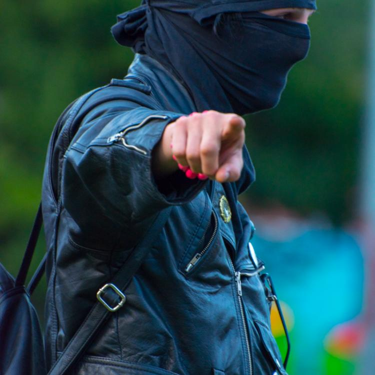 Seattle Trans Pride 2019, Masked Black Bloc Terrorist Made Threats